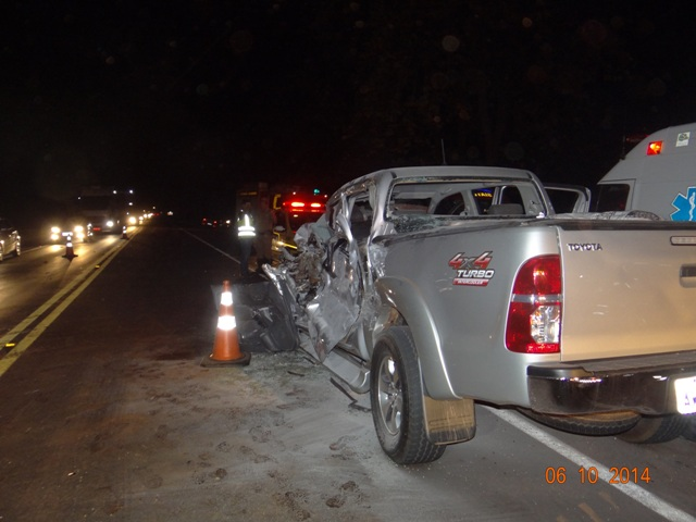 Colisão entre caminhonete e plantadeira deixa 4 feridos entre a Warta e Sertanópolis