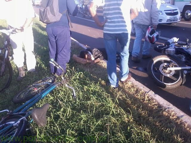 Queda de motocicleta deixa mulher ferida em Cambé