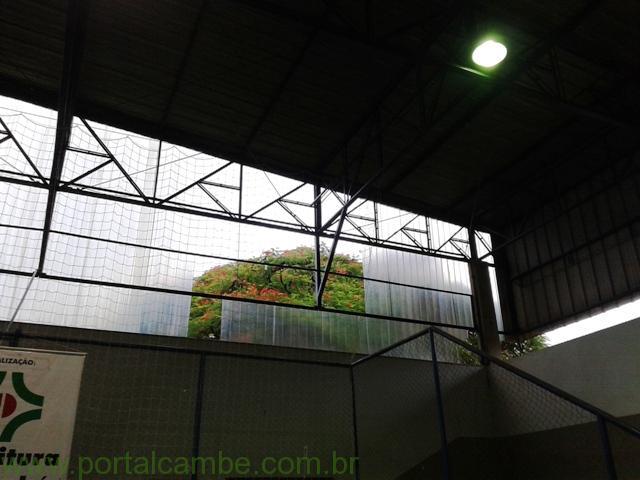 Sem manutenção Ginásio do Jardim Santo Amaro sofre com as chuvas