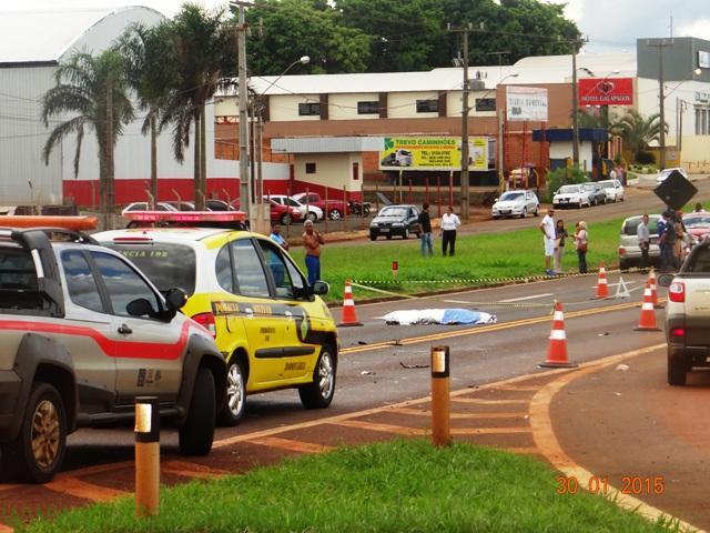 Grave acidente tira a vida de uma mulher na PR 445 em Cambé