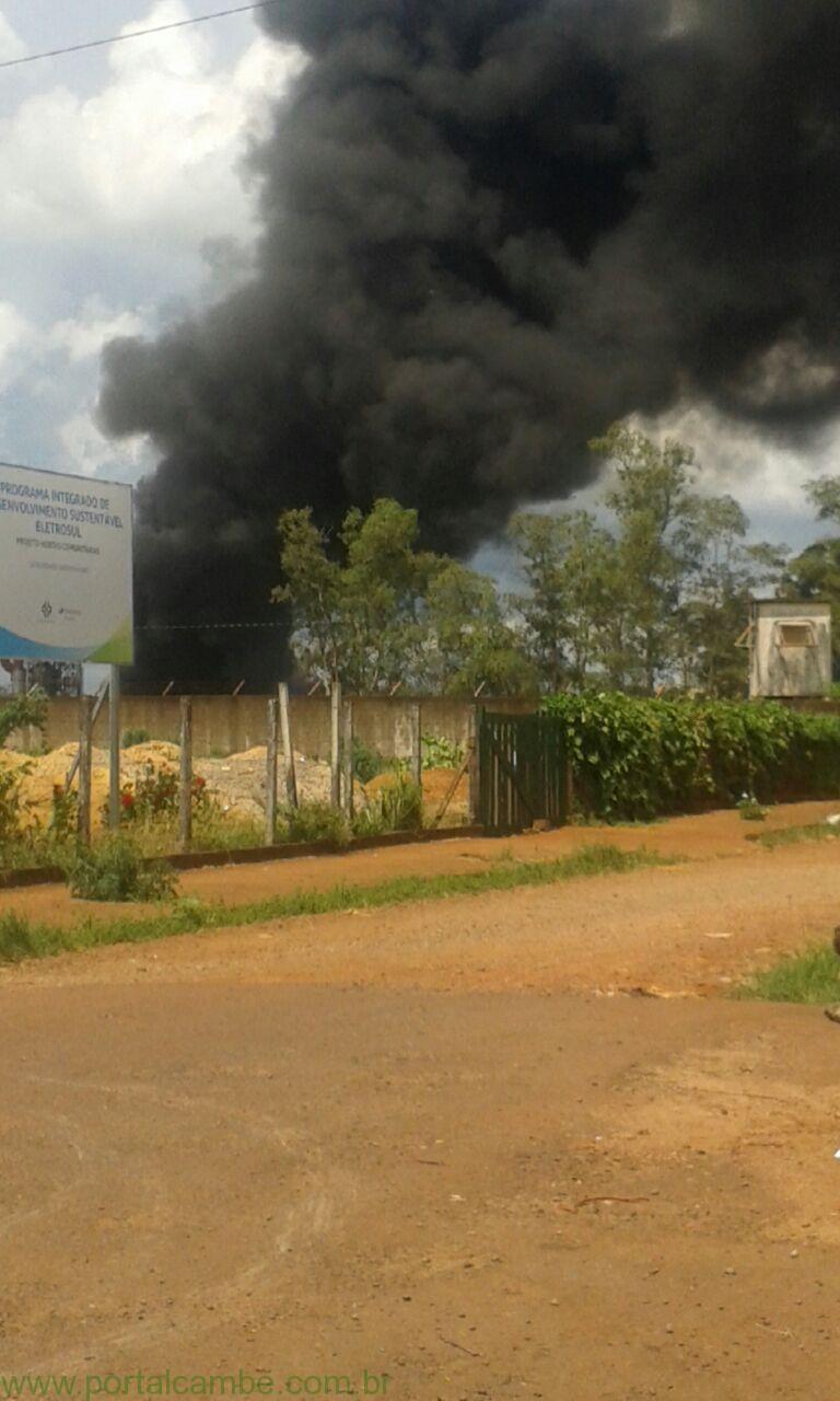 Incêndio atinge empresa de Cambé