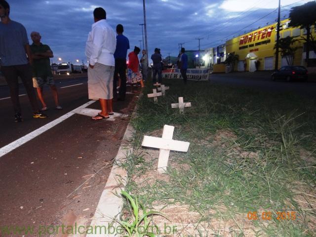 Mulher de 44 anos morre após ser atropelada na PR-445 em Cambé