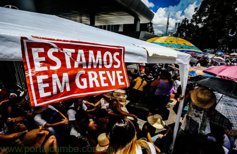 Professores planejam nova mobilização para amanhã (19) no Paraná