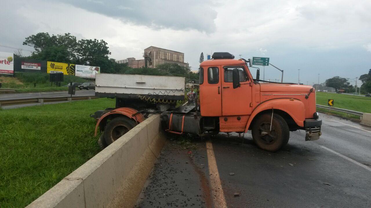 Três acidentes na tarde desta quarta-feira (11) na BR 369 em Cambé