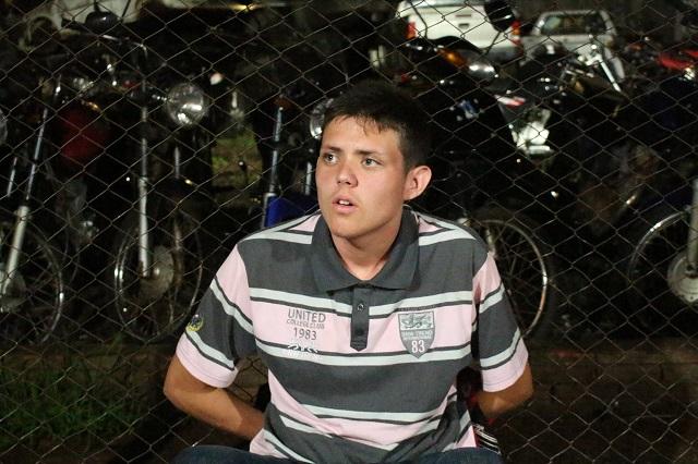 Jovem de 18 anos é detido pela Polícia Militar suspeito de tráfico de drogas