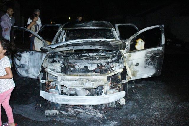 Carro pega fogo no Jardim Monte Castelo II em Cambé