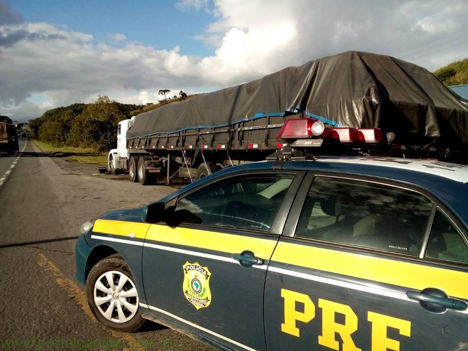 PRF aborda caminhão com mais de mil evasões de pedágio; motorista é detido após retirar veículo do pátio sem autorização