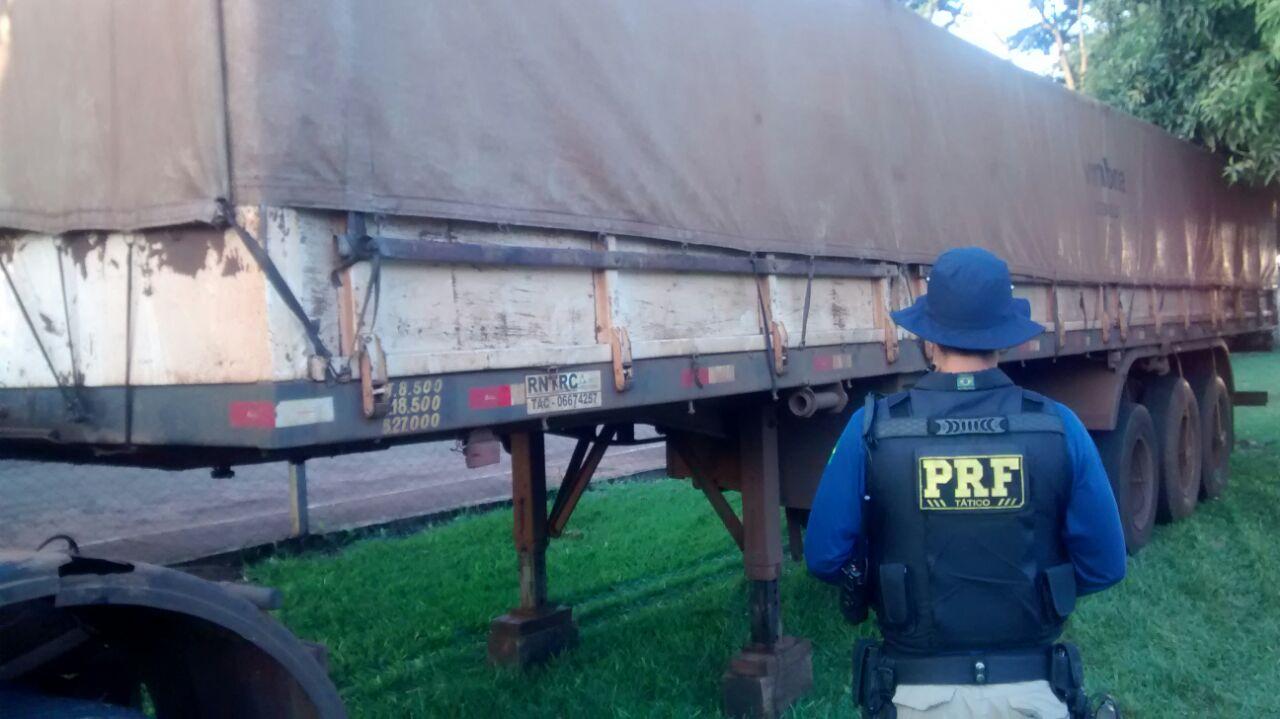 Carreta de Cambé é apreendia pela PRF com documento falso