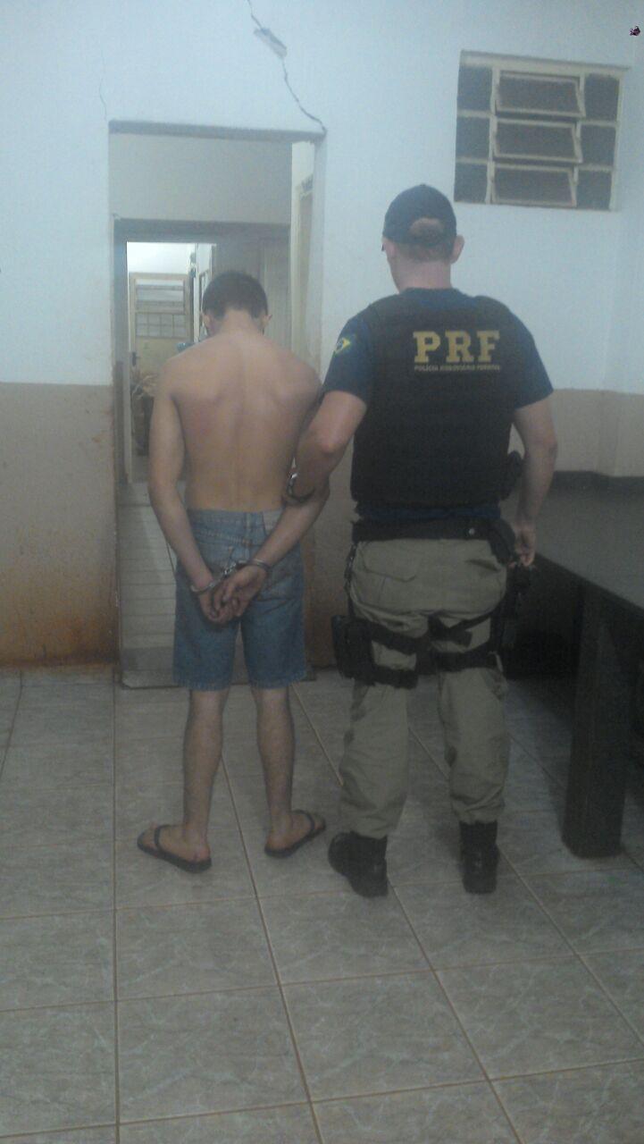 PRF prende motociclista que disputava racha na região norte do Paraná