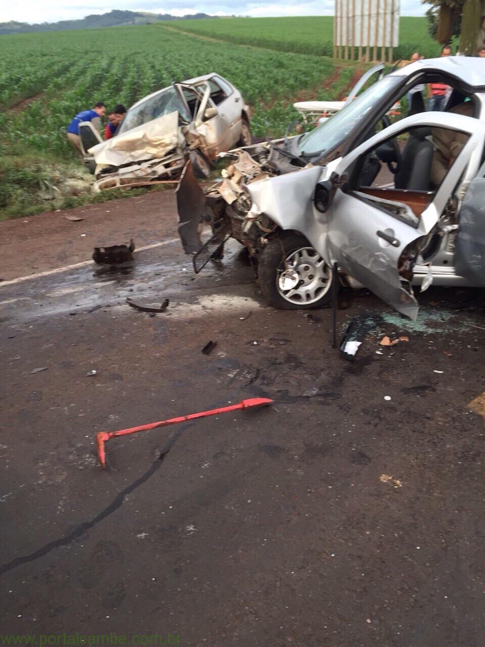 Colisão frontal deixa cinco feridos na PR 323 no Paraná