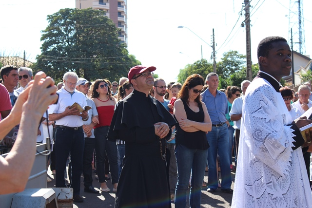 Paróquia Santo Antônio celebrou a Via-Sacra na manhã desta sexta-feira
