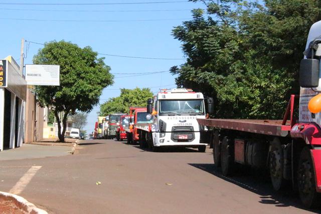 """Igreja Evangélica da Santificação promoveu a """"Carreata da Paz"""" em Cambé"""