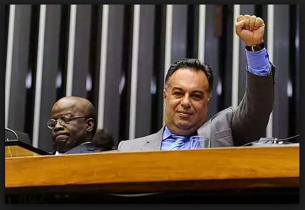 Ex-deputado André Vargas é preso em Londrina