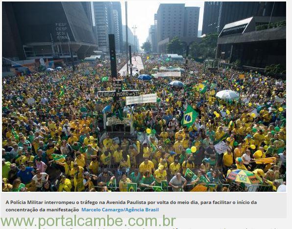 Avenida Paulista é fechada em ato contra o governo