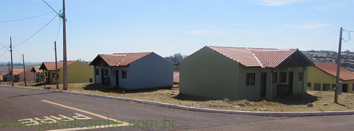 Prefeitura de Cambé e Cohapar entregam 62 casas do Antônio Euthymio Casaroto