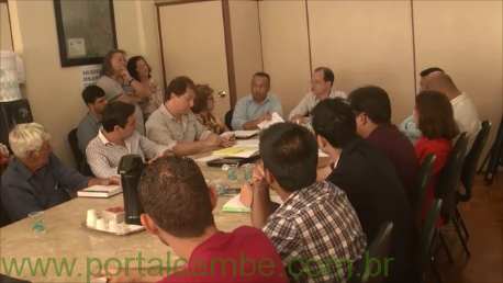Prefeitura, Sidserv e vereadores fizeram reunião para tentar acordo para fim da greve