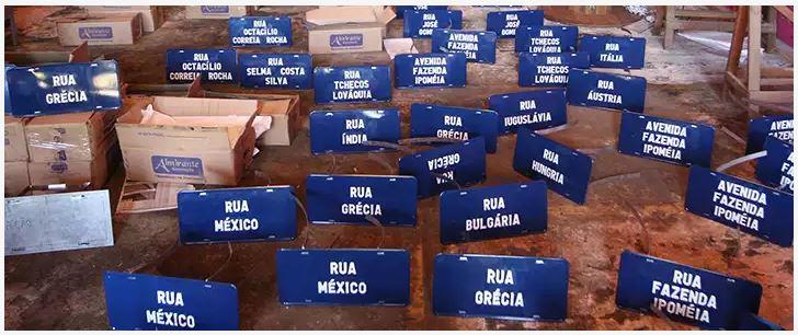 Prefeitura coloca 10 mil placas de identificação em 1682 ruas de Cambé