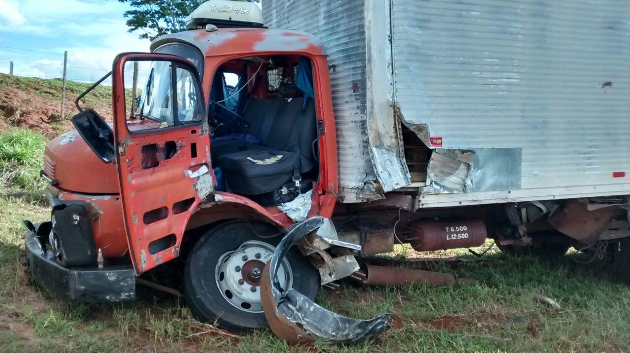 Filho de deputado morre em acidente em estrada do Paraná