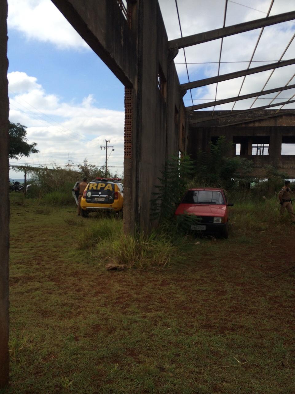 Polícia Militar recupera veículo roubado em fazenda de Cambé
