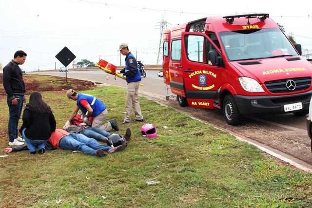 Jovem de 17 anos fica ferida após queda de motocicleta na PR 445 em Cambé