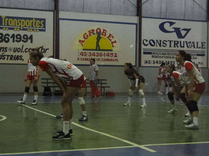 Voleibol Feminino de Cambé disputa a Liga do Paraná
