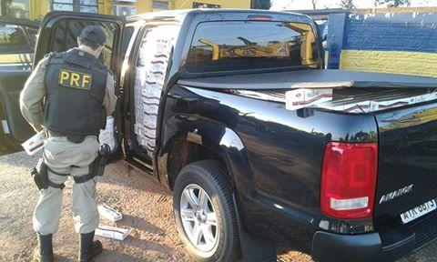 PRF apreende caminhonete com 27,5 mil maços de cigarro contrabandeado
