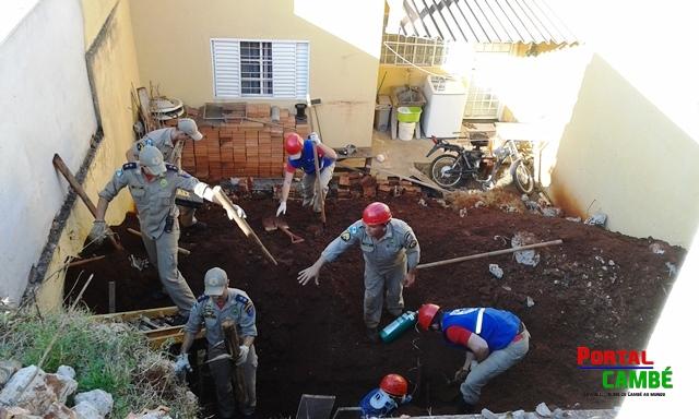 Homem fica soterrado após desabamento em obra em Cambé