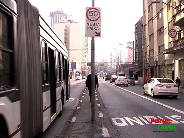 Transitar no corredor de ônibus vira infração gravíssima