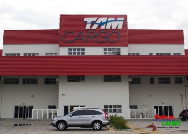 Bando rouba barracão da Tam e leva carga de celulares em Londrina