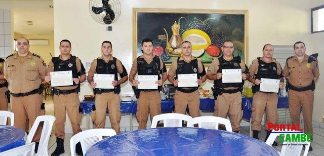 Policiais Militares de Cambé recebem menção de elogio do 5º Batalhão