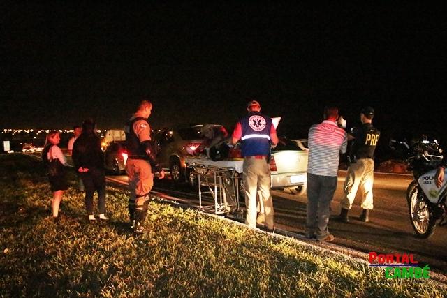 Engavetamento de três veículos deixa mulher ferida na BR 369 em Cambé
