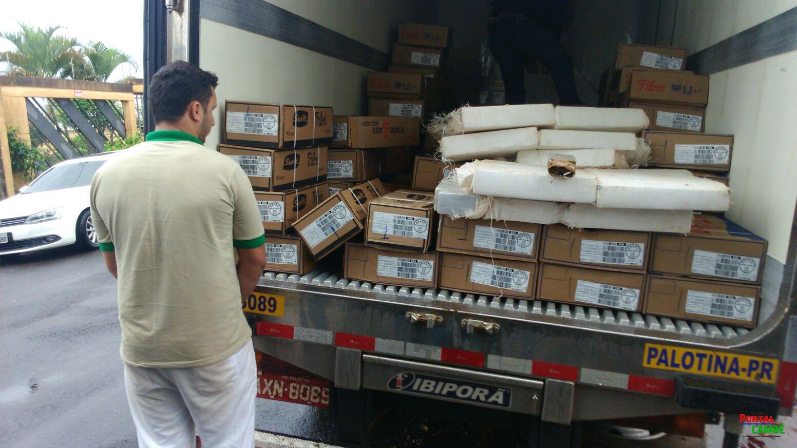 Caminhão da Friboi vindo de Palotina é interceptado em Londrina com maconha avaliada em R$ 232 mil