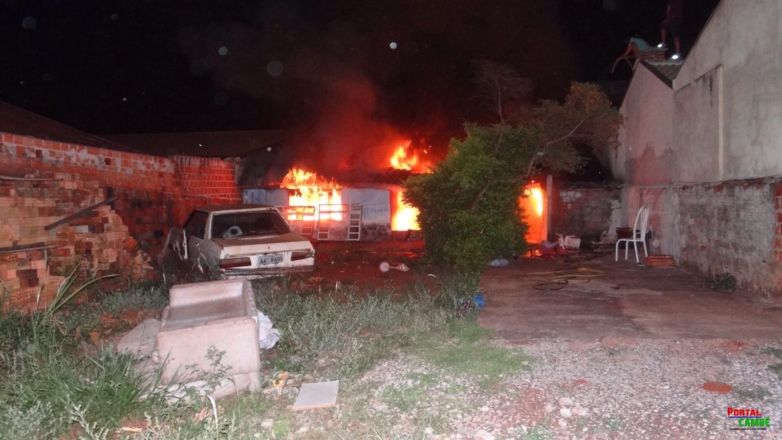 Incêndio destrói residência no Jardim Novo Bandeirantes em Cambé