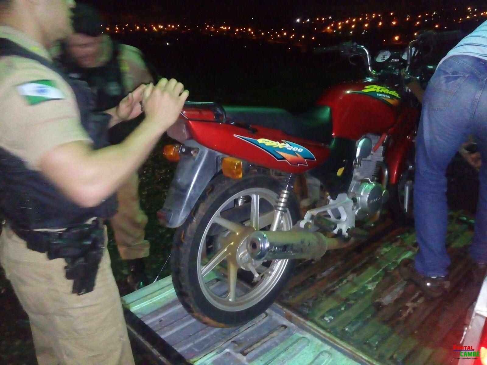 Polícia Militar de Cambé recupera motocicleta furtada em Londrina
