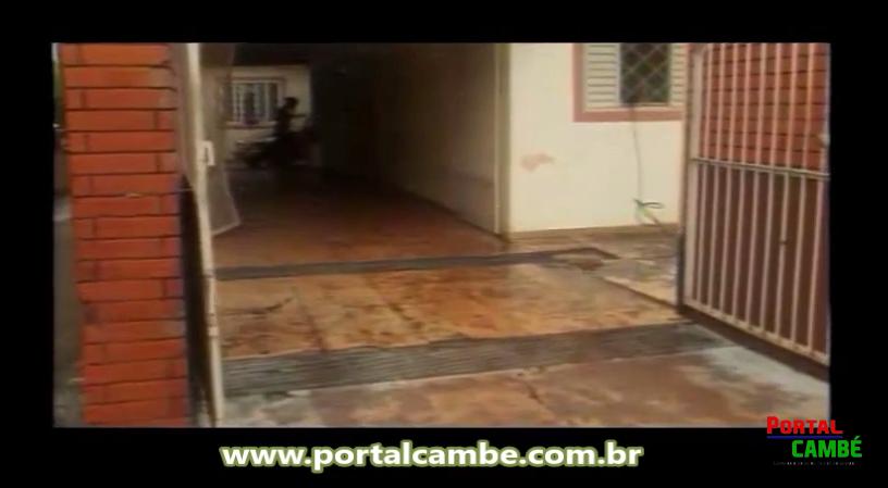 Lama invade casas e deixa prejuízo para moradores de bairro em Cambé (Vídeo)