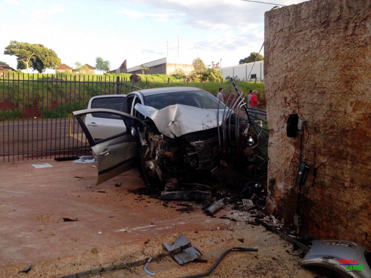Um grave acidente foi registrado na Av. José Bonifácio em Cambé (Vídeo)