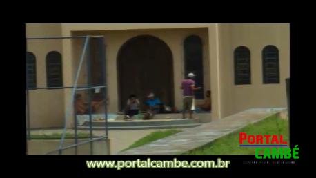 Comerciantes da Av. Brasil em Cambé pedem a retiradas dos mendigos do patio da igreja.