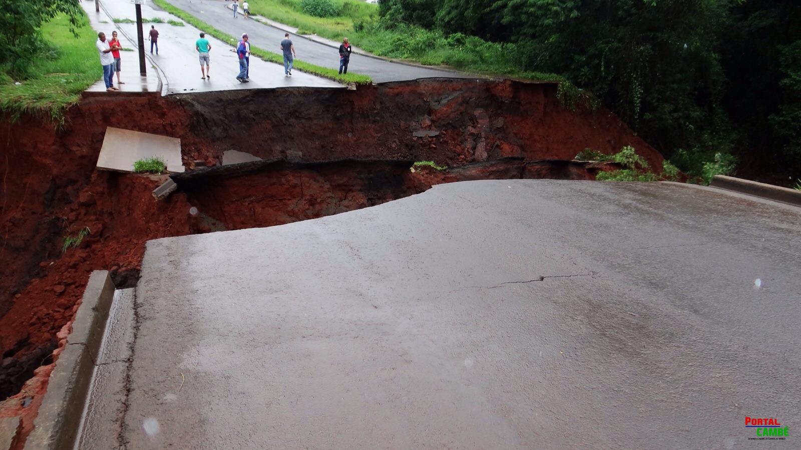 Chuva causa estragos em diversas ruas de Cambé