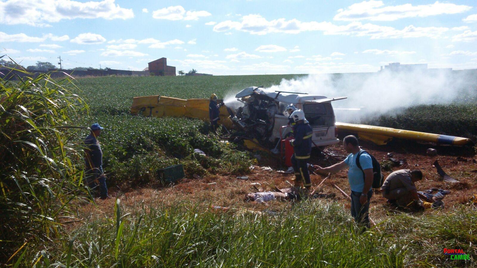 Avião agrícola sofre pane e ao cair se choca contra uma Kombi em Londrina