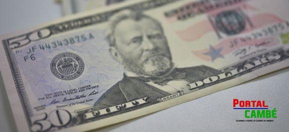 A  moeda  norte-americana  fechou  a  primeira  segunda-feira  do  ano  cotada  a  R$ 4,034  Arquivo/Agência Brasil