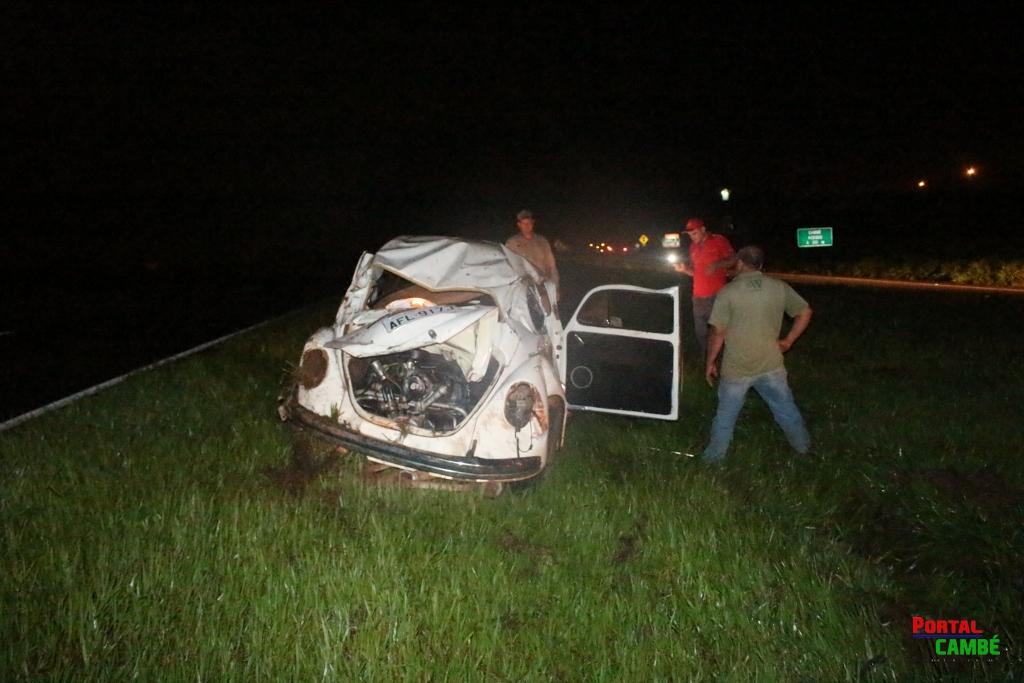 Motorista perde o controle e capota veículo na BR 369 em Cambé