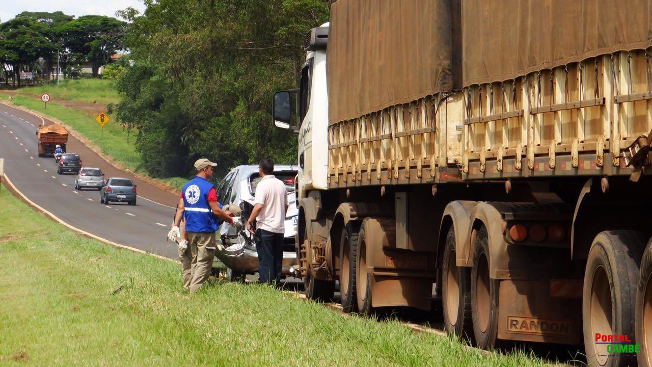 Vagões de trem descarrilam próximo ao pátio ferroviário no Centro de Cambé