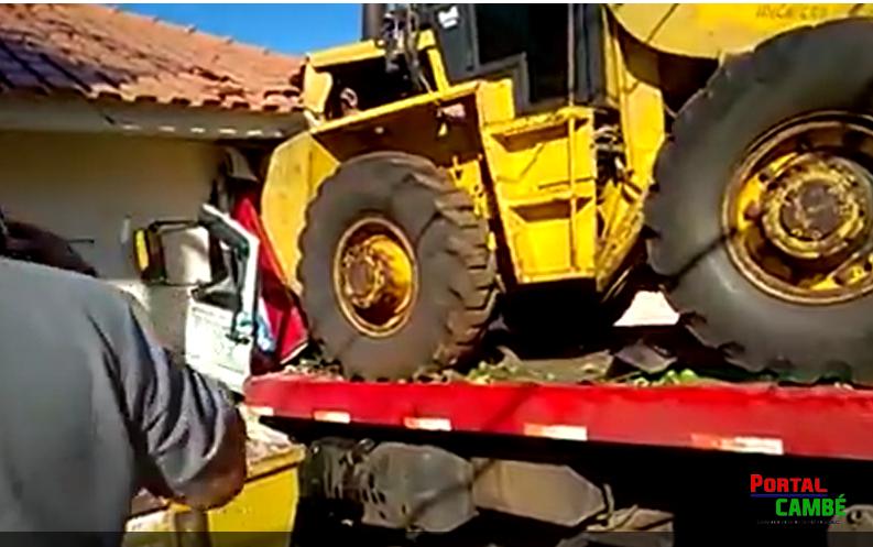 Caminhão invade residência no Jardim Ana Eliza III em Cambé