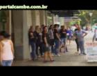 Comércio de Cambé fechou as portas em protesto em favor do impeachment contra a presidenta Dilma. (Vídeo)