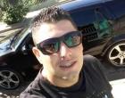 Jovem de 28 anos é morto a tiros dentro de seu automóvel