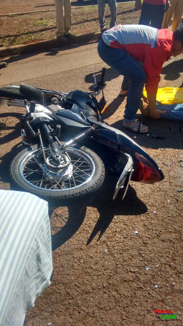 Colisão entre duas motocicletas deixa jovens feridos em Cambé