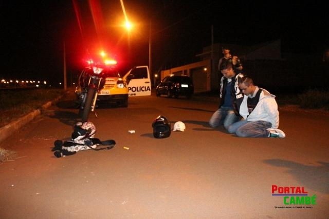 Polícia Militar prende dois jovens com 80 pinos de cocaína