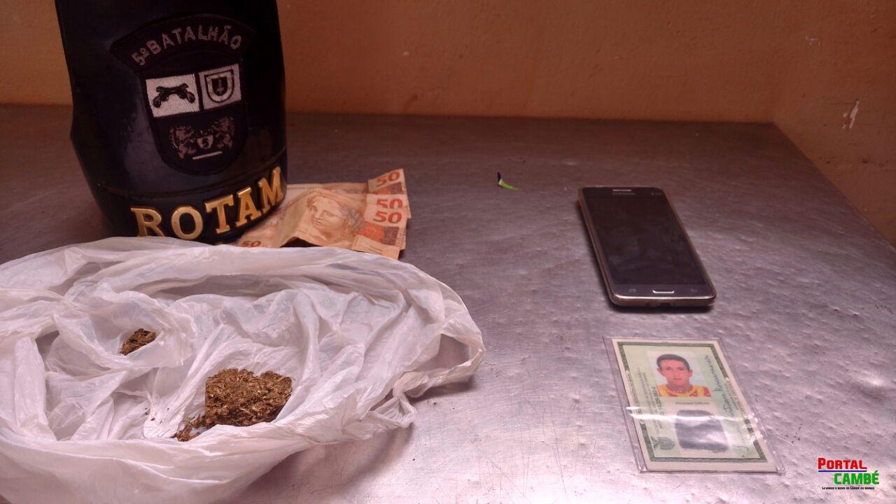 Polícia Militar prende jovem com drogas ao lado de escola pública de Cambé