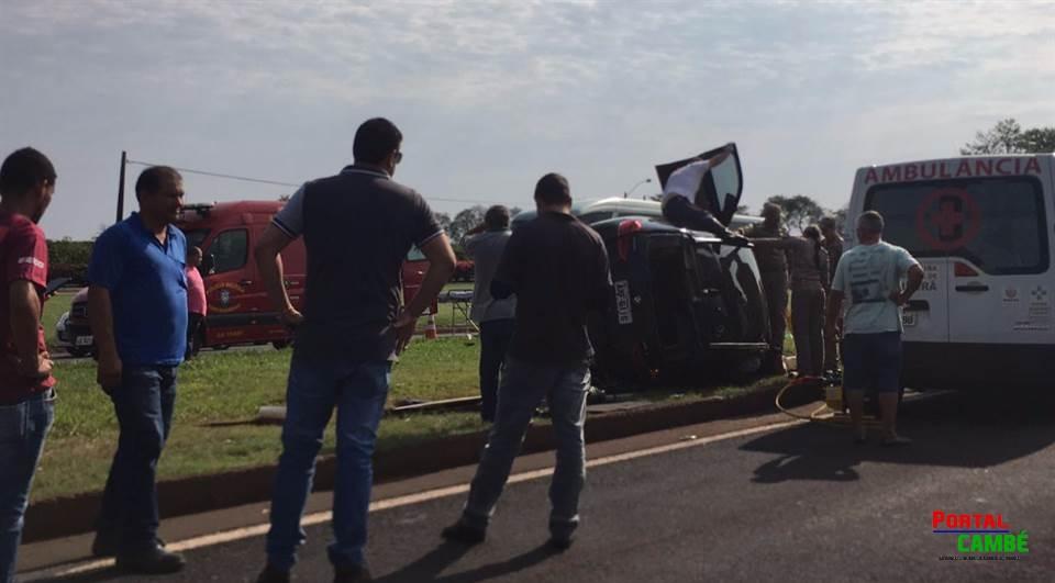 Médica fica ferida em capotamento de BMW na BR-369 em Cambé