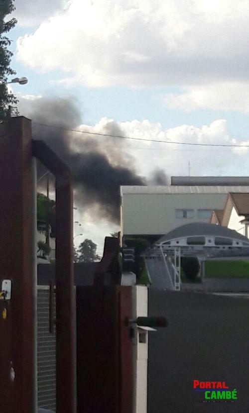 Máquina pega fogo dentro da indústria de cadeados em Cambé